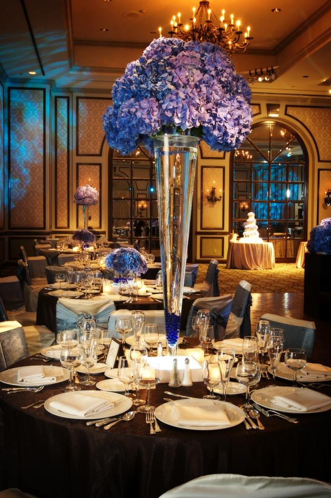 10906714-elegant-reception-table